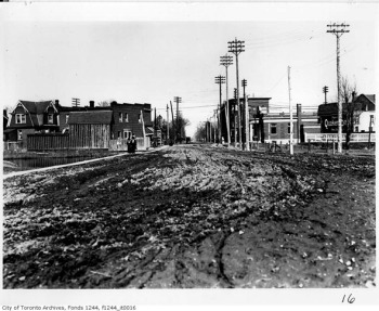 20121112-danforth-approach-broadview-1910s-f1244_it0016